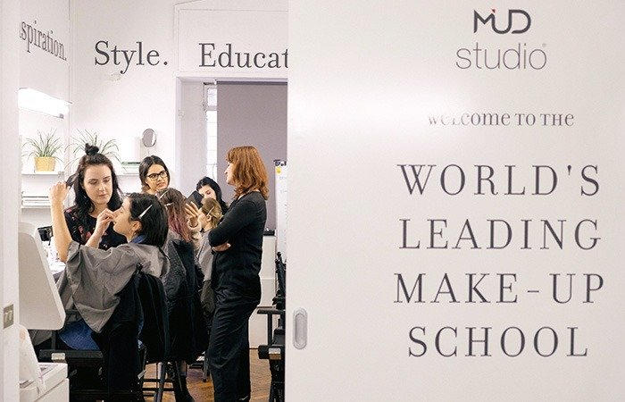 mud leading make-up school